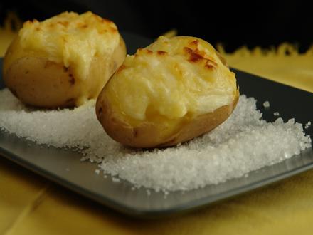 cartofi umpluti cu branza